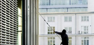 window cleaning services 02